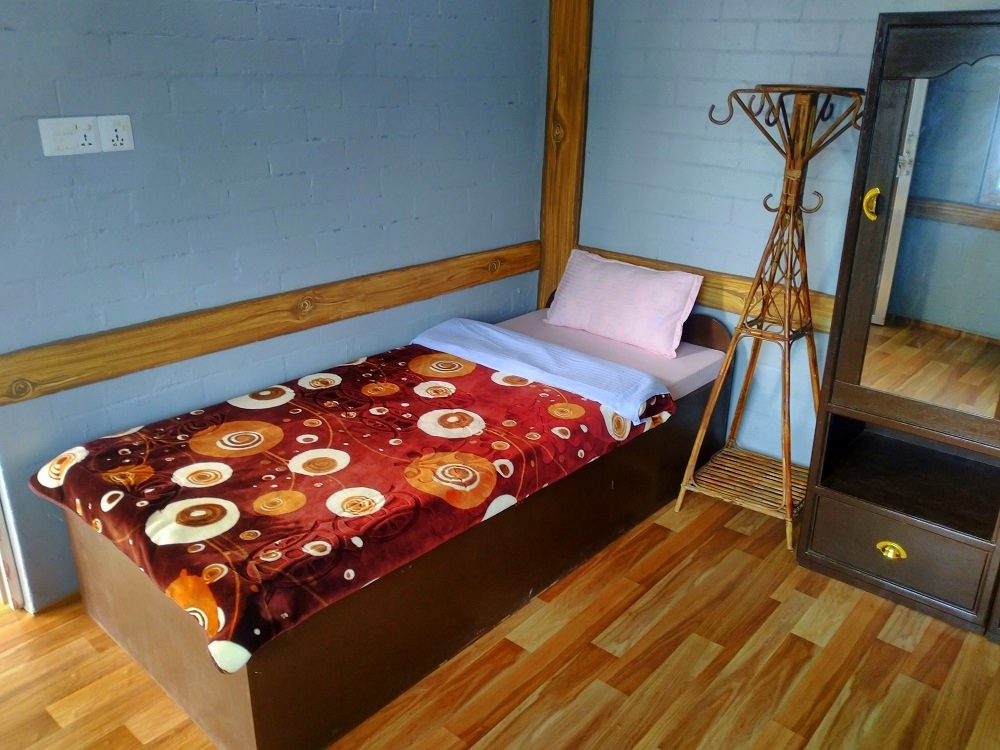 Kabir shared room bed 2